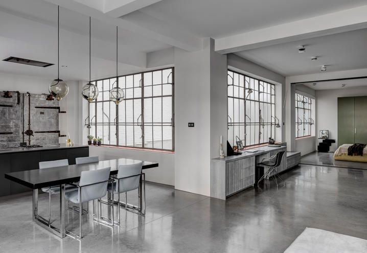 In london an open space loft industrial style for a couple
