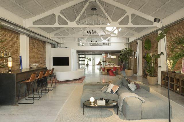 arredare in stile industrial, l'esempio di un loft a barcellona