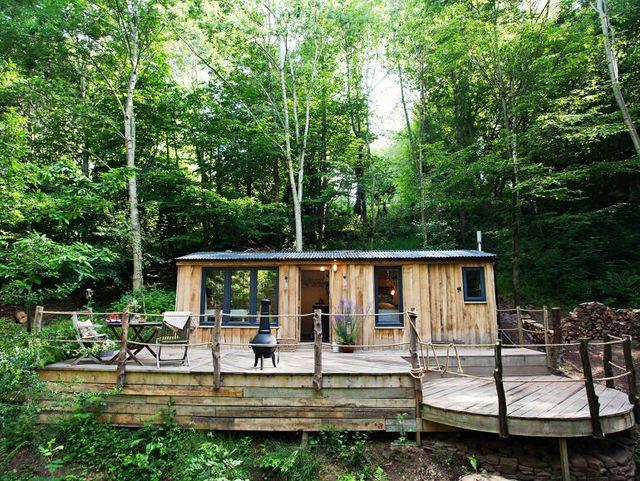 log cabins uk