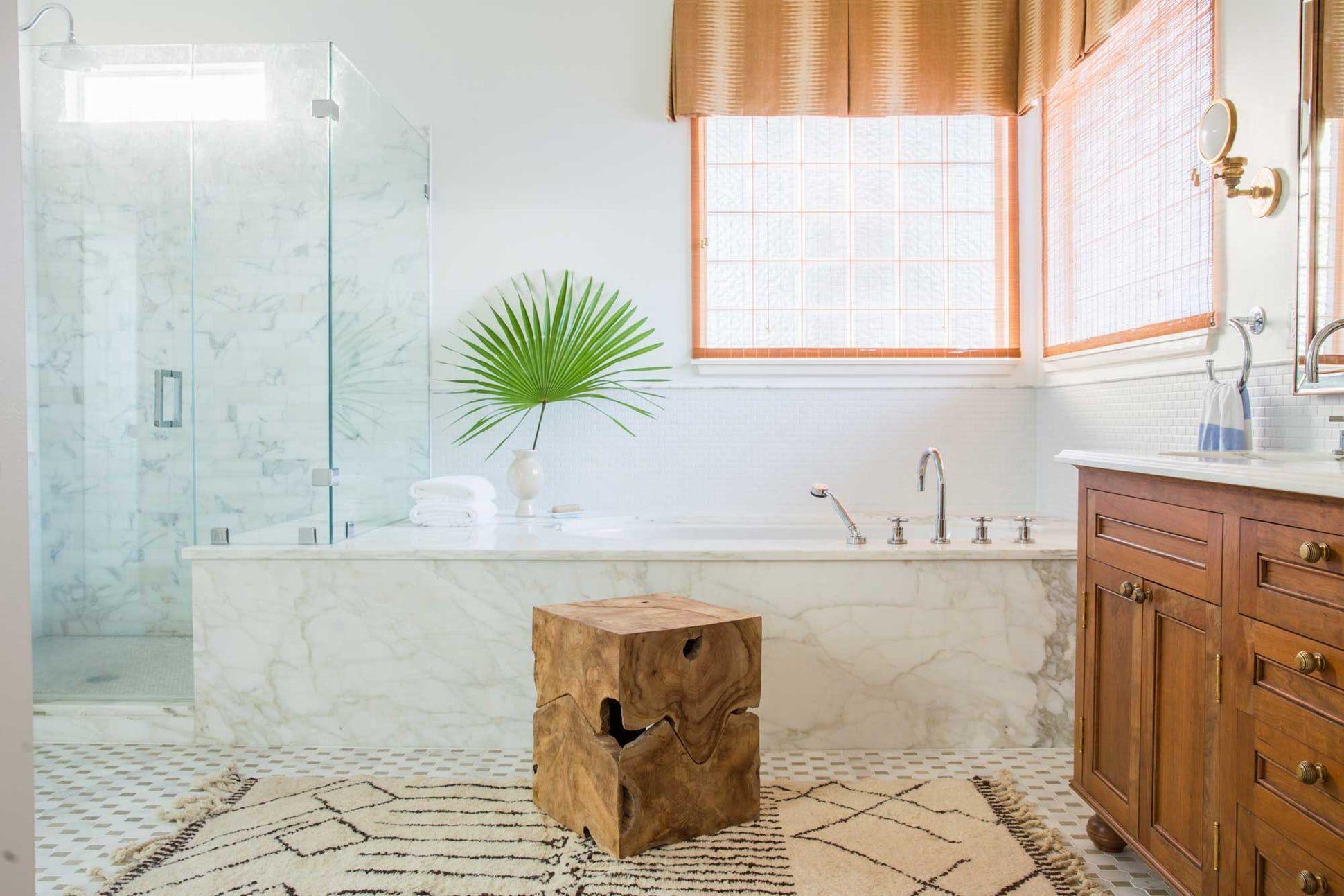 23 Marble Bathroom Ideas - Stunning Baths with Marble Tile & Tubs