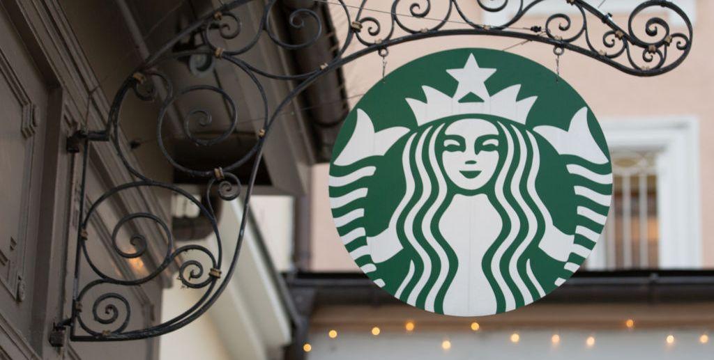 Обращение ко всем любителям кофе: вот что нужно знать о рождественских часах Starbucks в этом году
