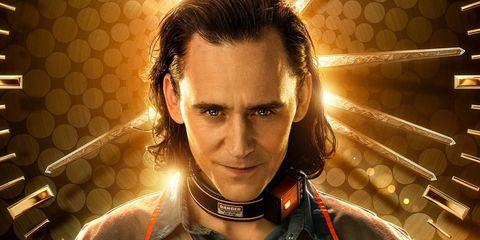 tom hiddleston en el póster de la serie loki