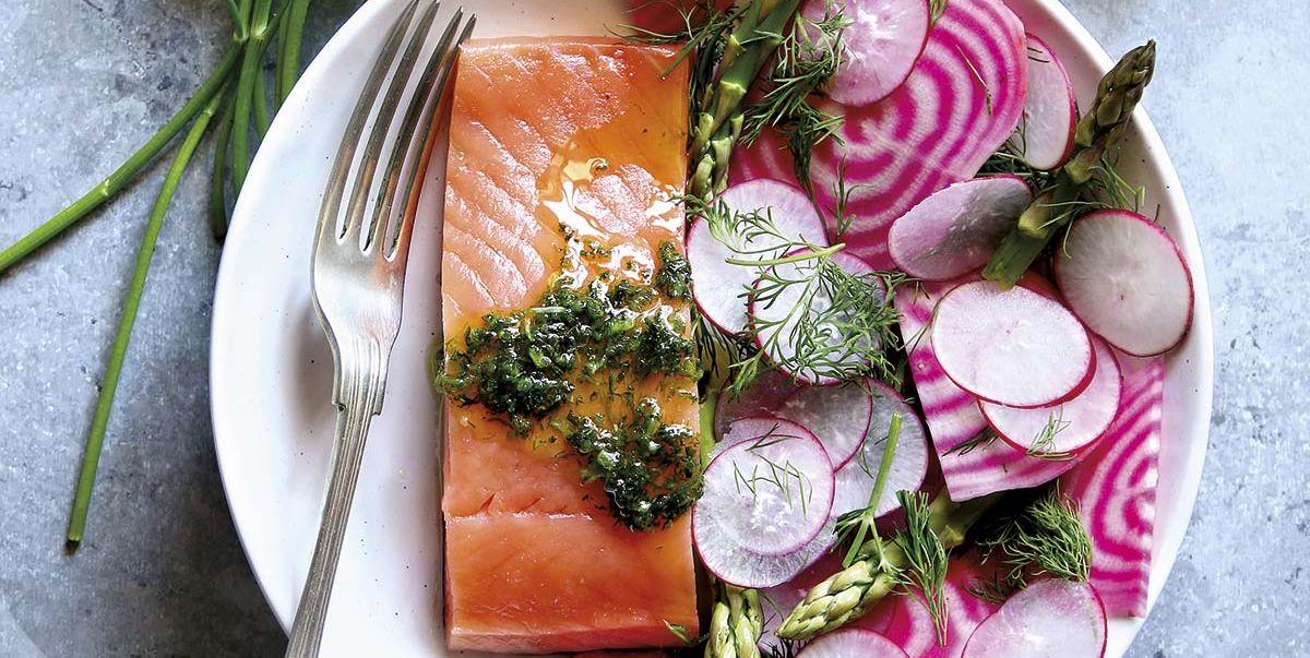 Lomos de salmóncon salsa de eneldo