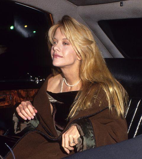 meg ryan acude en coche a la premiere de 'cuando harry encontró a sally' en 1989