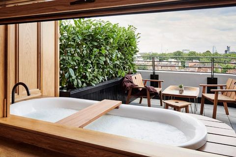 Hotels With Hot Tub In Room London Hotels With In Room Jacuzzis