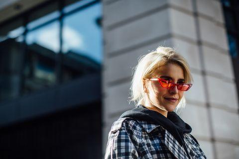 Eyewear, Hair, Plaid, Sunglasses, Photograph, People, Glasses, Street fashion, Tartan, Beauty,