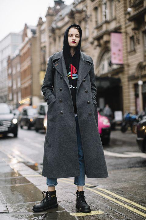 Imaxtree. Military style per il cappotto doppiopetto con ... d283b0993d9c