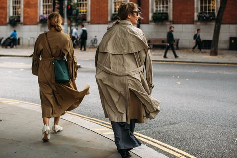 People, Street fashion, Snapshot, Street, Outerwear, Standing, Fashion, Human, Urban area, Pedestrian,