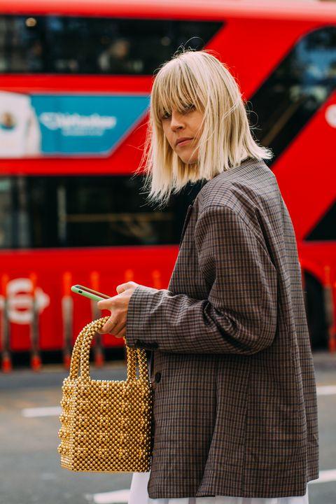 come abbinare le borse gialle, colori borse moda 2019, borsa gialla, borse gialle inverno 2019