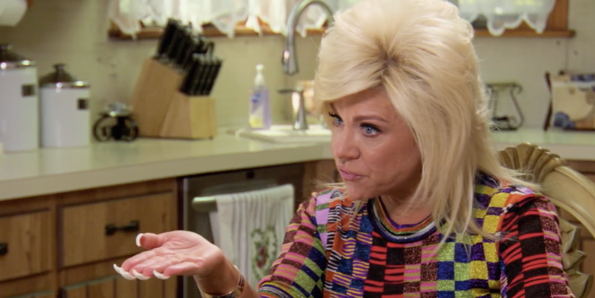 Long Island Medium Theresa Caputo Makes Mom And Daughter Hysterical With Intense Reading