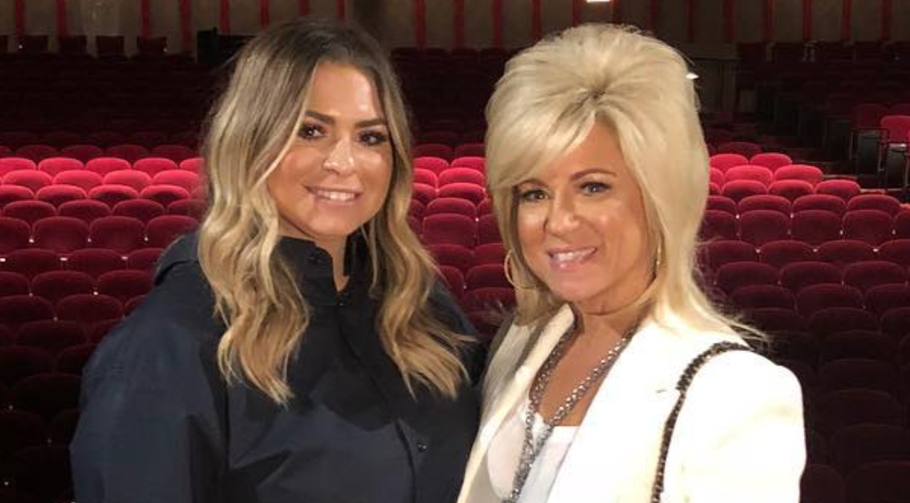 Long Island Medium Theresa Caputo Shares Heartbreaking Update About Her Daughter S Bullying