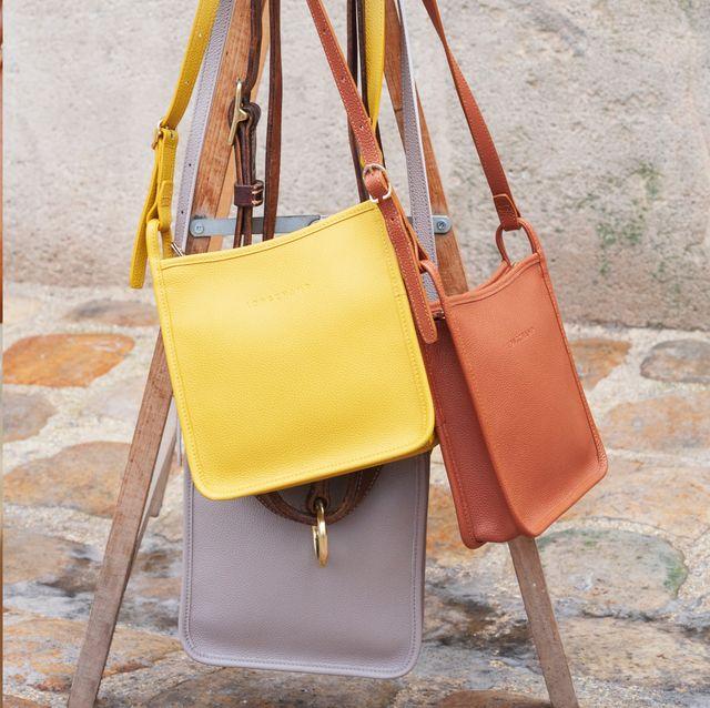 longchamp 推出輕巧皮革的大容量質感包包!簡單耐看不怕髒 防疫出門採買就揹這款