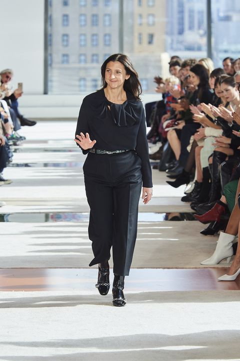 Fashion, Runway, Fashion model, Fashion show, Clothing, Footwear, Spring, Event, Fashion design, Haute couture,