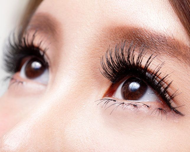 5 Ways To Get Lashes As Long As The Days