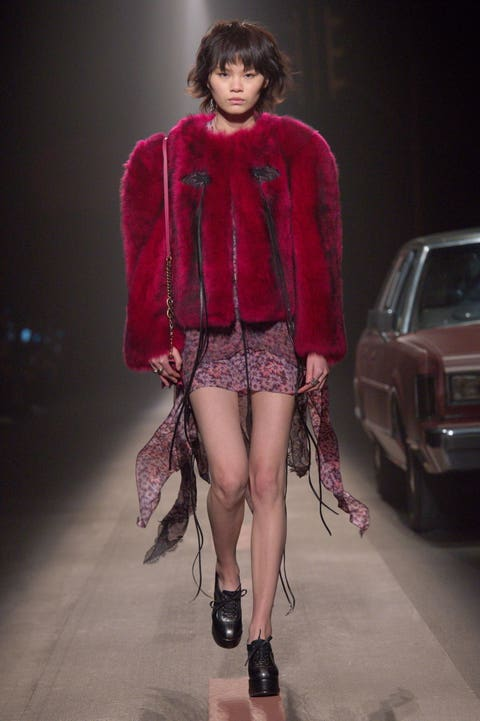 Fashion model, Fashion, Fashion show, Clothing, Runway, Fur, Haute couture, Outerwear, Footwear, Leg,