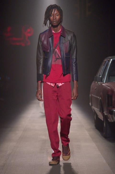 Fashion, Clothing, Runway, Fashion model, Fashion show, Pink, Footwear, Human, Denim, Sportswear,