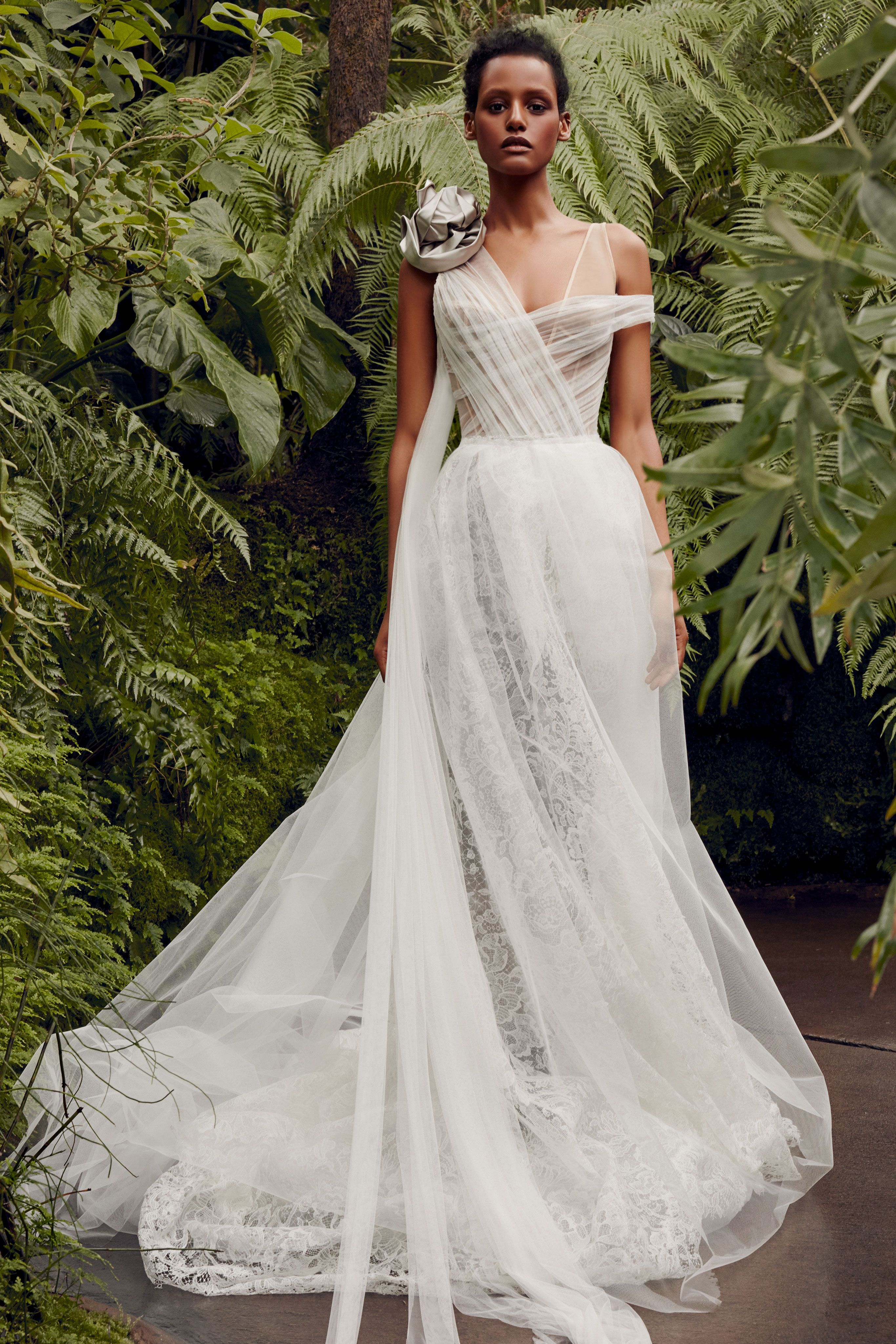 dc440e467c11 Vera Wang Bride Spring 2020 - Vera Wang Bridal Spring 2020 Collection