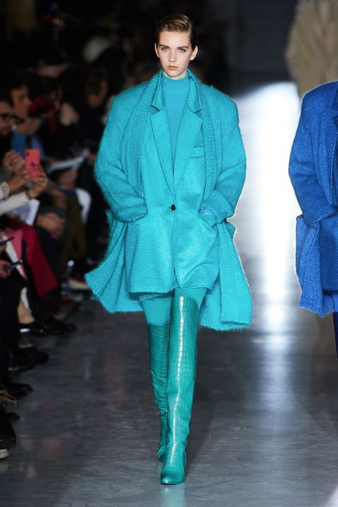 Fashion, Fashion model, Runway, Fashion show, Clothing, Blue, Electric blue, Turquoise, Haute couture, Outerwear,