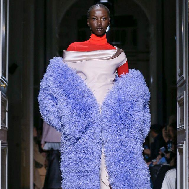 Fashion, Blue, Fur clothing, Haute couture, Clothing, Fashion show, Fur, Runway, Fashion model, Electric blue,