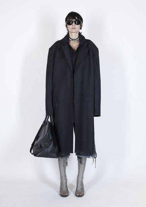 Sleeve, Textile, Style, Coat, Overcoat, Collar, Fashion model, Fashion, Black, Street fashion,