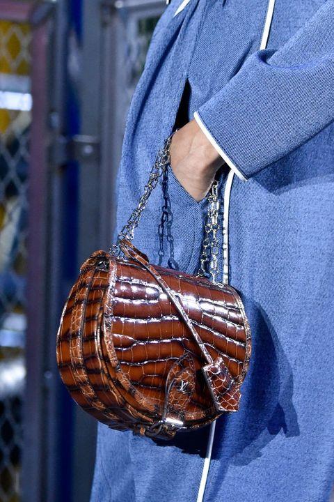 Fashion accessory, Shoe,