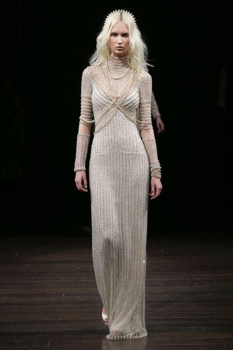 Shoulder, Fashion show, Style, Waist, Dress, Beauty, Fashion, Fashion model, Neck, Runway,