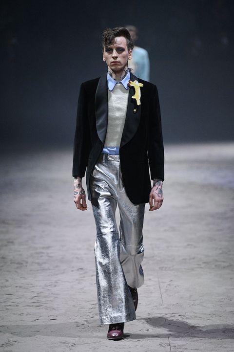 Suit, Fashion, Clothing, Fashion model, Runway, Formal wear, Fashion show, Blazer, Human, Tuxedo,