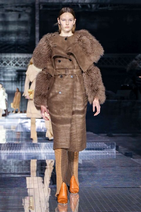 Fashion, Fashion show, Fashion model, Fur clothing, Runway, Clothing, Fur, Haute couture, Outerwear, Coat,
