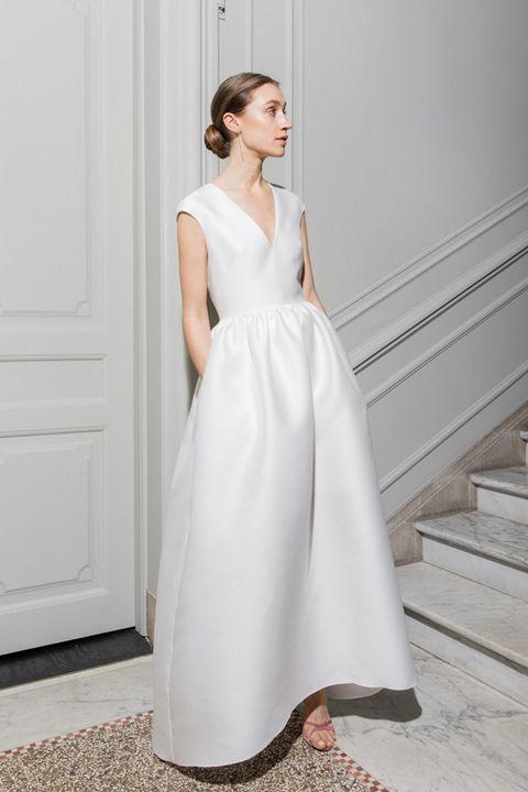 アンテリーベtu、「マリア・フェキ」のドレス