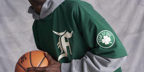 Basketball, Jersey, Sportswear, Arm, Ball, Basketball, Player, Team sport, Sports equipment, Sports uniform,