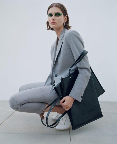 Clothing, White, Coat, Eyewear, Outerwear, Trench coat, Fashion, Overcoat, Blazer, Shoulder,