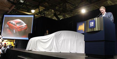 Luxury vehicle, Car, Automotive design, Vehicle, Technology, Event, Auto show, Mid-size car, Family car, Stage,