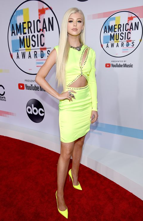 The Nakedest Dresses And Outfits From The 2018 Amas