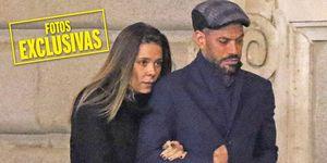 La cantante, que rompió con su novio, el futbolista del Betis Antonio Barragán, en primavera, está de lo más feliz al lado de René Ramos. Así de acaramelados se pasearon por Madrid.