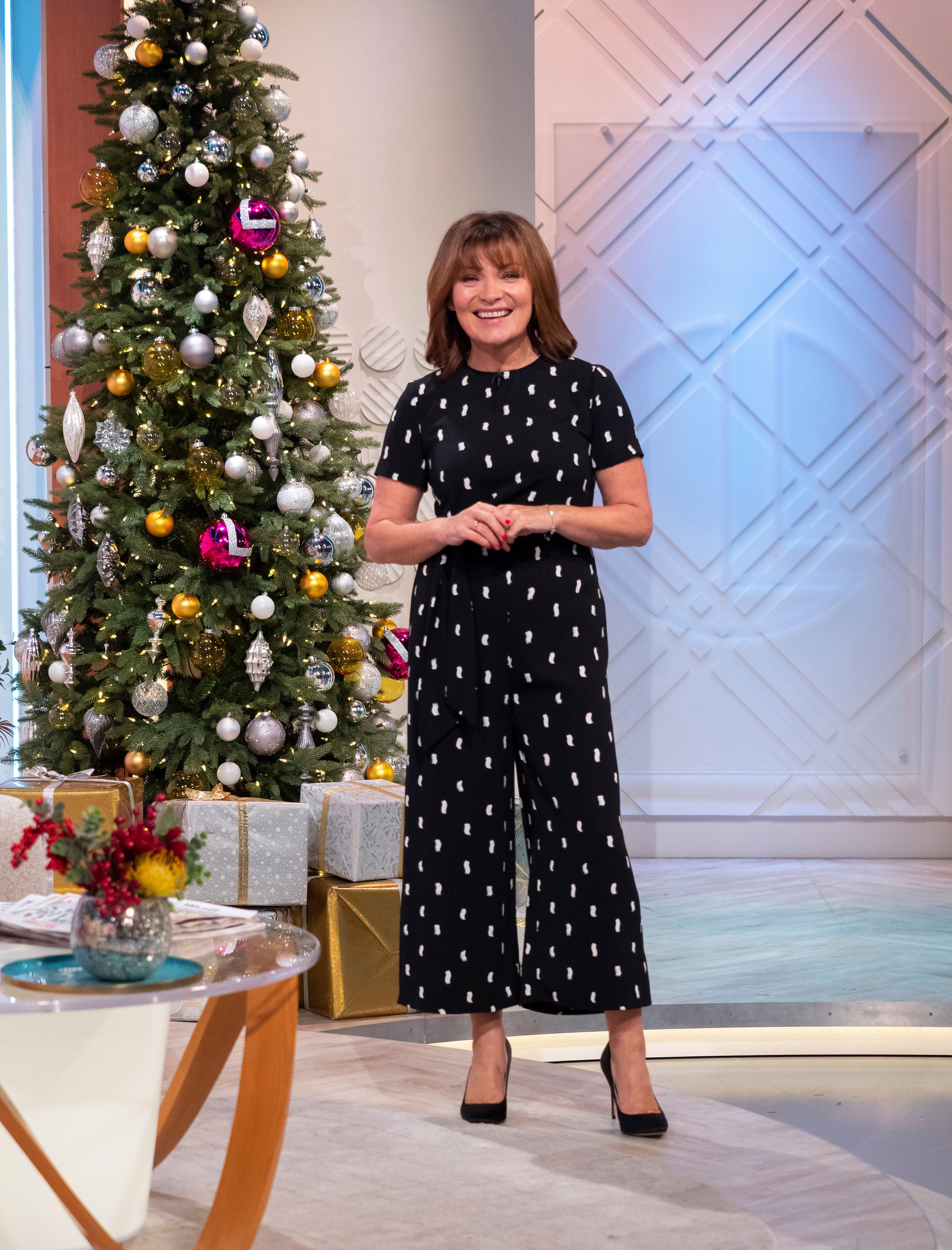 011a47f49134 We re loving Lorraine Kelly s super chic £59.99 Warehouse jumpsuit