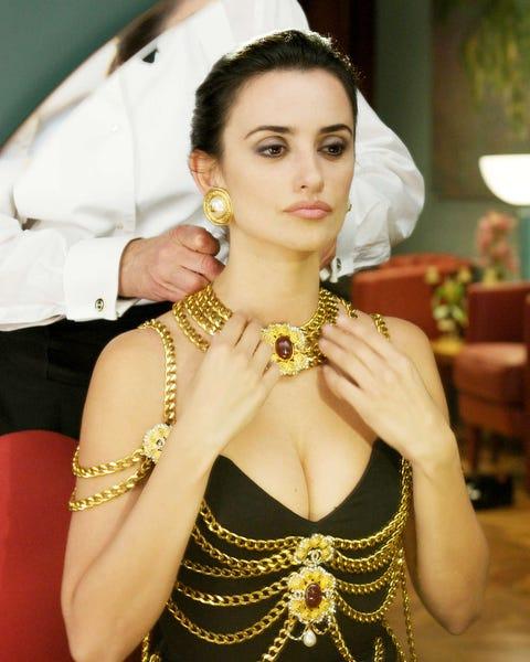 Beauty, Fashion, Tradition, Photography, Jewellery, Fashion accessory, Performance, Photo shoot, Black hair,