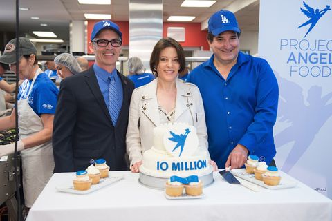 Marianne Williamson Delivers Project Angel Food's 10 Millionth Meal