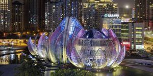 Los edificios que crean verdaderos espectáculos por la noche