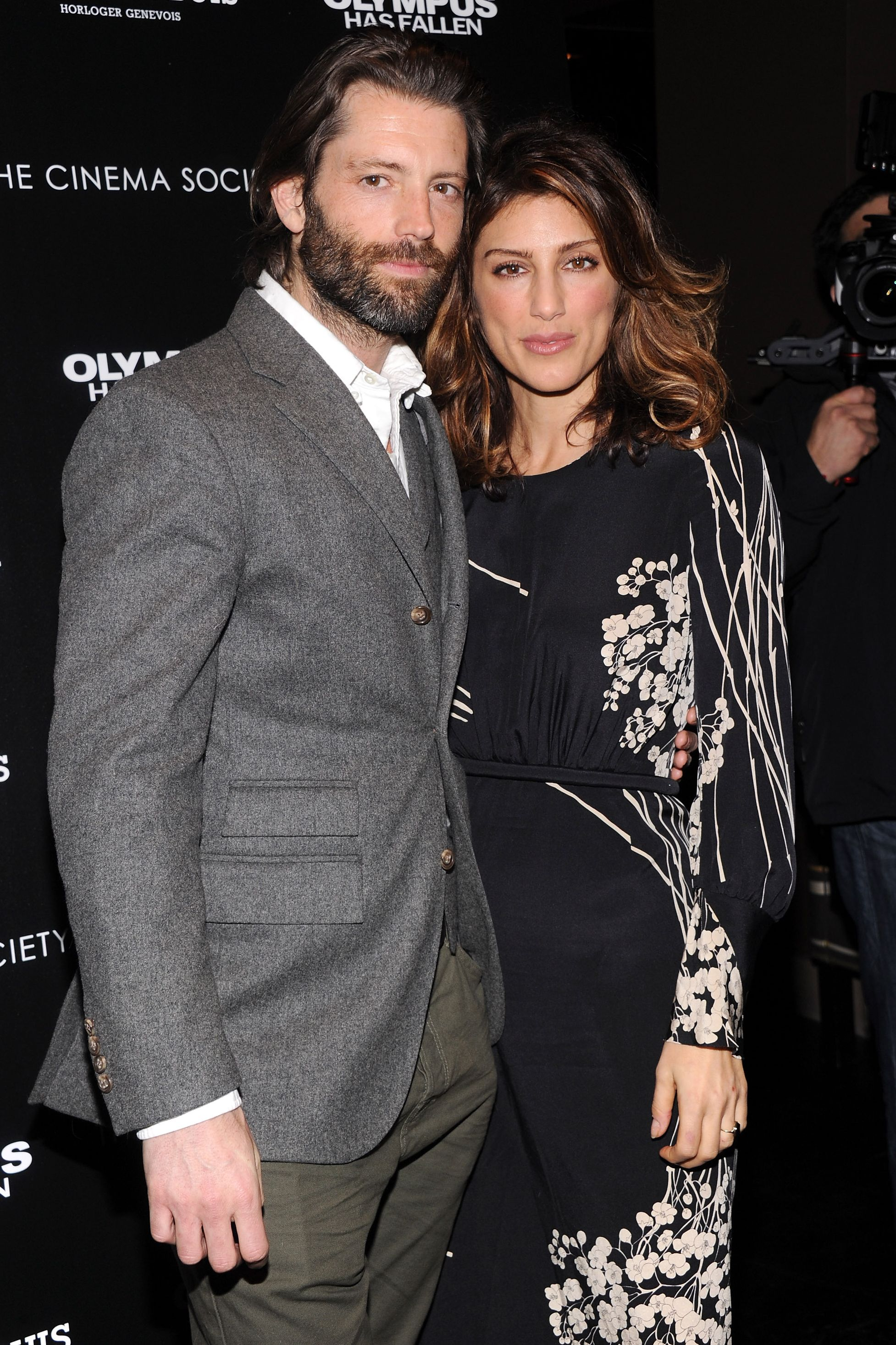 Jennifer Esposito and Louis Dowler There's something about actress Jennifer Esposito and her model husband's eyes that feel all too similar. Doesn't it seem like both of them are starring straight into your soul in this picture?