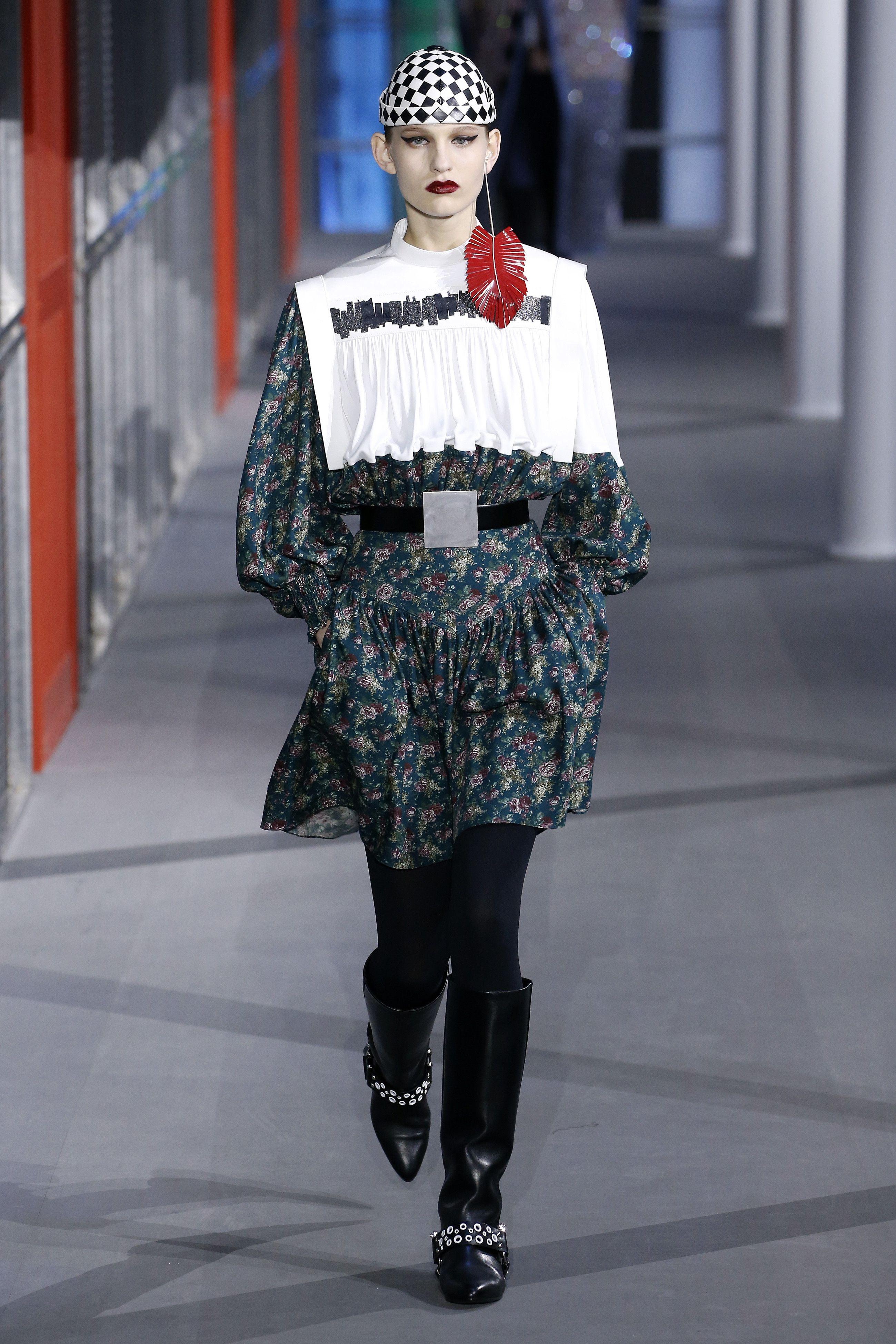 38087e5010 Louis Vuitton Nicholas Ghesquière Fall 2019 Review