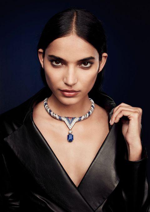 英國皇室婚戒上的寶石:藍寶石!九月份生日石藍寶石sapphire珠寶推薦