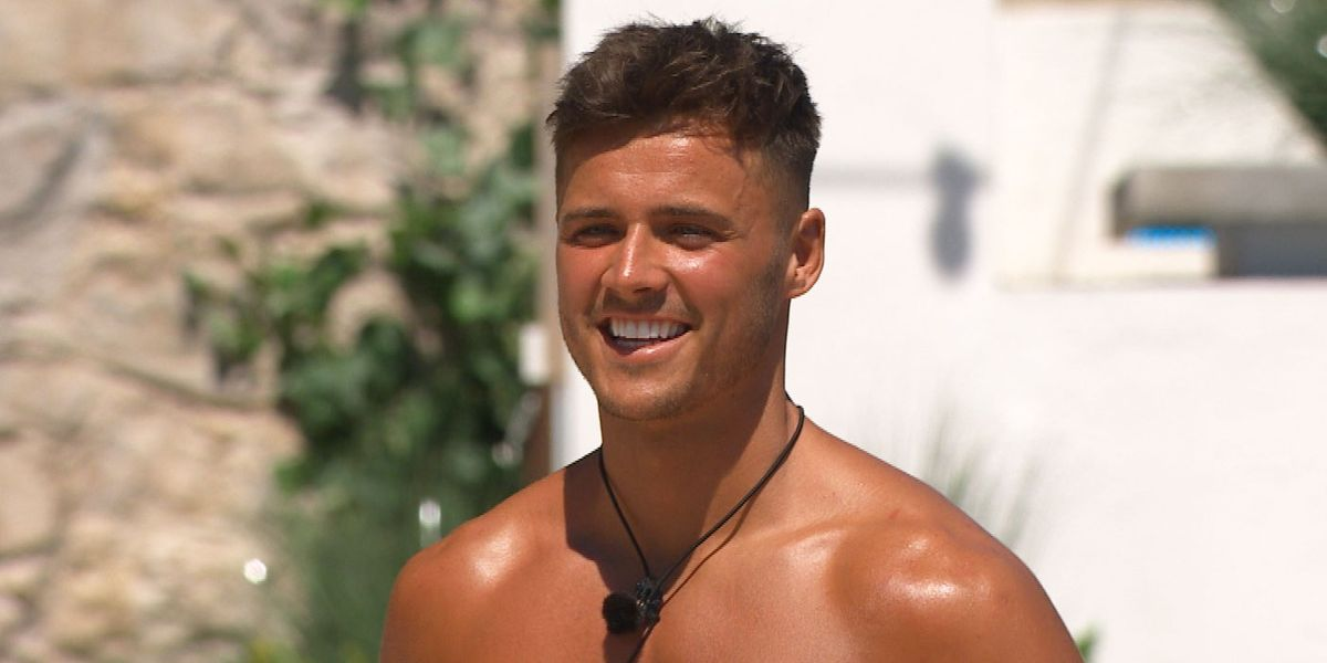 Love Island's Brad unrecognisable in bleach blonde throwback snap