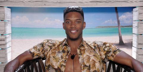Did Theo dump his girlfriend to go into the Love Island villa?