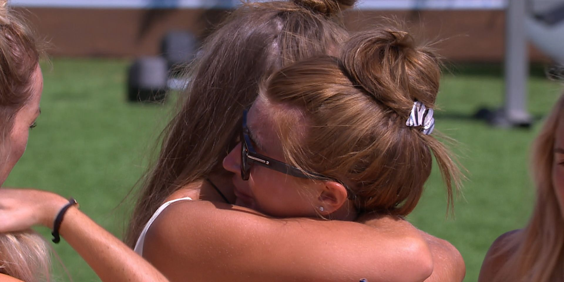 11 times Love Island's Georgia and Dani were the girl gang we needed