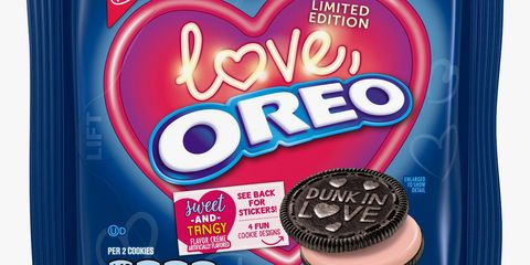 Oreo, Snack, Cookies and crackers, Cookie, Food, Baked goods, Finger food, Dessert, Chocolate,