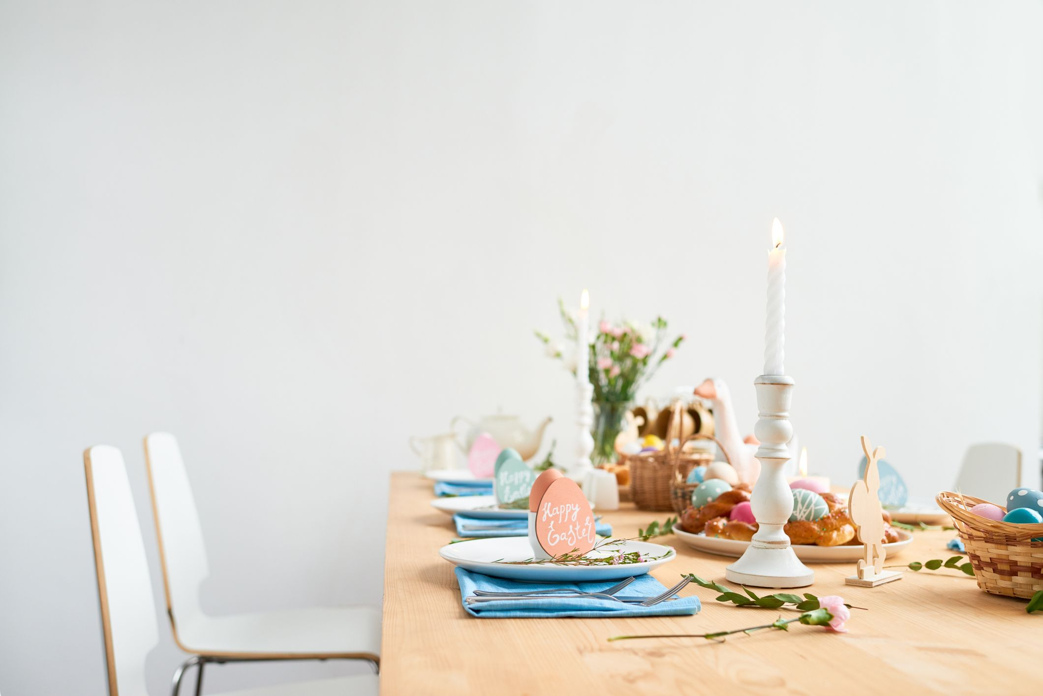 5 tips for hosting the perfect family get-together this Easter