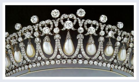 Headpiece, Fashion accessory, Tiara, Hair accessory, Jewellery, Headgear, Diamond, Crown, Pearl, Metal,
