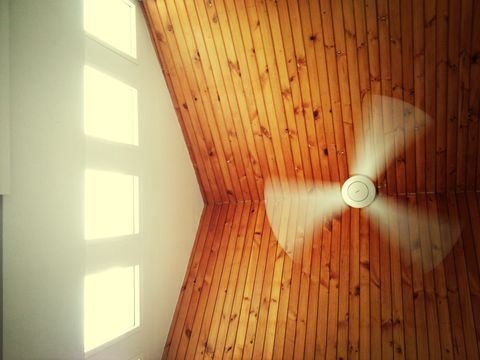 How To Cool Down a Room Without AC - Stay Cool in the Heat