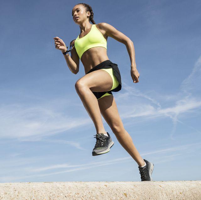 vrouw hardlopen hardloopshorts hardloopkleding shorts korte broek