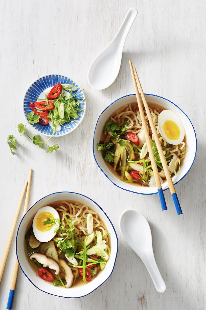 Low Calorie Meals Vegetable Ramen with Mushrooms and Bok Choy